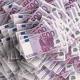 un tas de billet de 500 euros empilé photo prise de haut